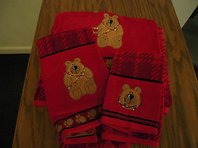 St. Nicholas Square Red Christmas  Towels Set Of Three Christmas Bear