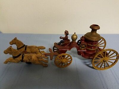 """Vintage Cast Iron toy Horse Drawn Fire Engine ~ 13"""""""