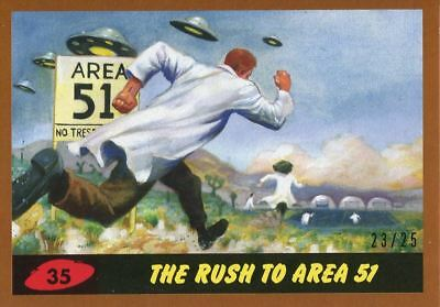 Mars Attacks The Revenge Bronze [25] Base Card #35 The Rush to Area 51