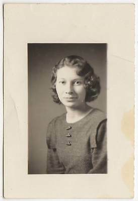 1934 PORTRAIT PRETTY YOUNG LADY WAVY HAIR OLD/VINTAGE PHOTO-SNAPSHOT-x2307