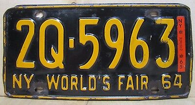 1964 NEW YORK WORLD'S FAIR License Plate 2Q-5963 NYWF Sign Embossed Auto Truck