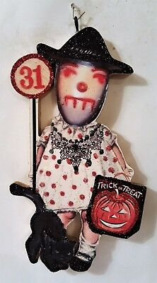 WITCH GIRL w/ CAT, TREAT BAG, 31  * Glittered WOOD HALLOWEEN ORNAMENT * Vtg Img