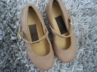 Paul Wright Leather tan tap shoes.Small girls Size 8