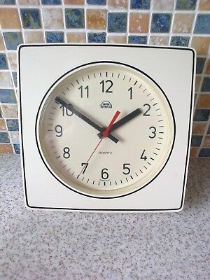 Vintage Wall Clock Smiths Timecal Quartz, Battery white with black line 70s/80s