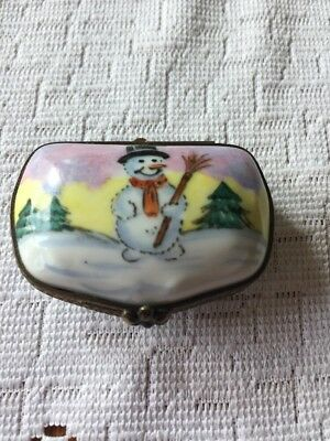 Limoges Box France - Christmas - Frosty The Snowman & Winter Scene - Peint Main