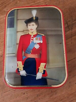 YOUNG QUEEN ELIZABETH11..early 1950's souvineer tin