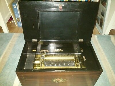 Stunning antique music box swiss with 32 songs Airs very very rare and stunning