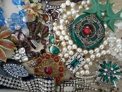 Job lot of vintage 50, 20's, deco,and modern costume jewellery including silver