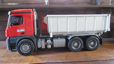 BRUDER 03622 MB Arocs LKW Abrollcontainer
