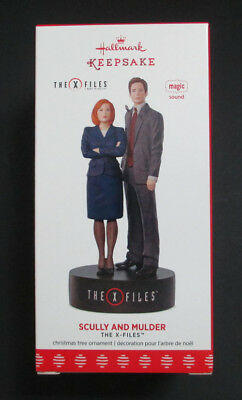 X-Files Mulder And Scully Electronic Hallmark Ornament Mib!
