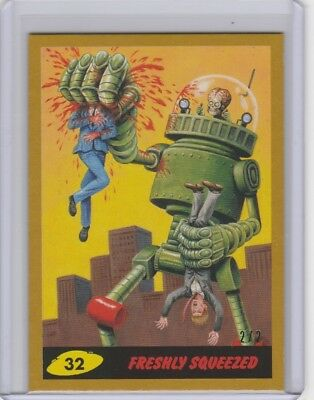 2017 Topps Mars Attacks The Revenge Freshly Squeezed Gold SSP #2/2 Card No. 32