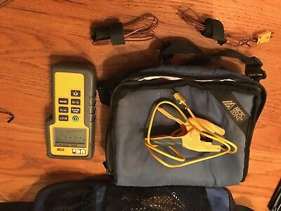 UEI DIGITAL THERMOMETER DT200 with 2 K1 temp leads and pipe clamp lead and case.
