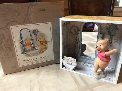 Hallmark Pooh Looks In The Mirror Shadow Box With Pooh Figurine *NEW OTHER*
