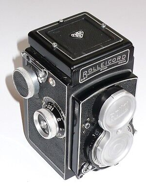 Rolleicord V Excellent Condition. Tested & Working. Strap, Metal Cap & Lenshood.