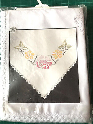 """BNIP Lace Edged Tablecloth to Embroider Cross Stitch 54""""/137cm Square New"""