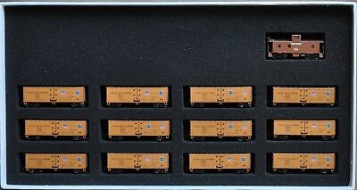 Z Scale 1:220 Azl Set Of 12 Up 40' Reefers Plus A Brass Ca-3 Caboose - #3704