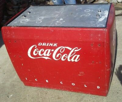 Drink Coca Cola Ice Cold Westinghouse model WD10 S/N 08571006 Soda Chest Y6551