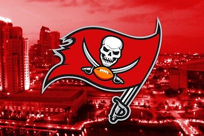 12 x 18 Poster Photo Football Team Tampa Bay Buccaneers Sports Pic Print ASS149