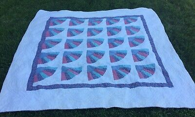 VINTAGE Handmade Hand Stitched Multi Color Fan Pattern QUILT