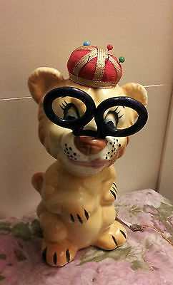 VINTAGE DAVAR Lion King Pin Cushion/Tape Measure Sewing Assistant!!