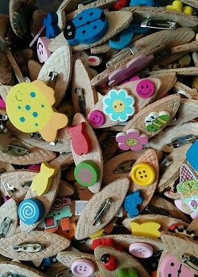 JOB LOT 50  BRAND NEW/HANDMADE CHILDREN'S WOODEN BROOCHES (party bags,fetes etc)