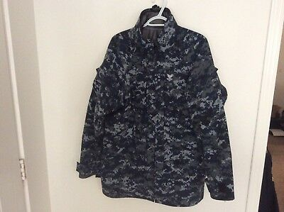 US Navy Nwu Type i Blue Digital Parka ( Rain, Fowl Weather) Size Medium Regular
