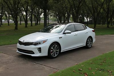 Kia Optima SXL Turbo  One Owner Perfect Carfax  MSRP $37190 One Owner Perfect Carfax Pano Roof Heated and Cooled Nappa Leather MSRP $47720