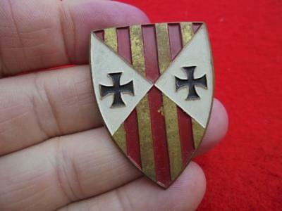 Unknown US theater made? US or German DUI Di Crest pin