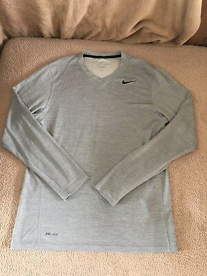 Nike Men's Dri-Fit Long Sleeve Light Gray V-Neck Shirt Top Size M