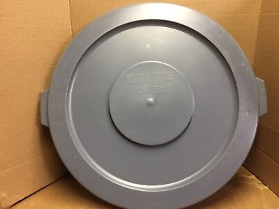 Round Flat Top Lid, For 32 Gallon Brute Trash Can Containers, 22 1/4 (Gray)