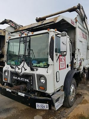 2008 Mack MRU trash garbage truck Heil frontload body