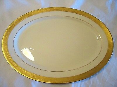 Lenox China Gold Encrusted Westchester Large Oval Serving Platter 17""
