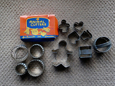 15 vintage cookie / pastry cutters animals gingerbread man