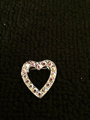 Vtg  Beautiful silver tone heart with rhinestone  BROOCH  Pin vintage jewelry