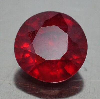 Brillante  Rubino  Naturale  Rosso Sangue Ct. 1,02 Si  Vs Tondo