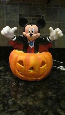 Disney Mickey Mouse Halloween Jack-O Lantern  Lighted Pumpkin