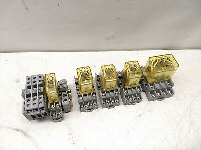 Mixed lot IDEC Cube Relay 120V / 24V
