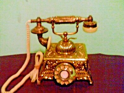 Young Jim Ind. Co. Vintage Princess phone corded