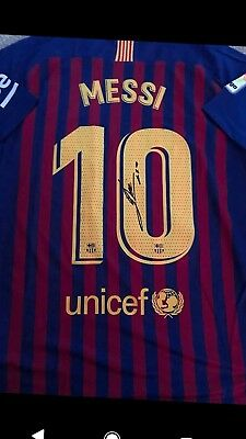 15800f624 Lionel Messi Hand Signed Barcelona Shirt 18 - 19 Season With Coa