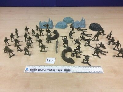 Job Lot of Plastic Army Soldiers with Rocks and Machine Gun Nests