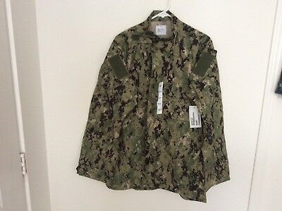 US Navy Nwu Type iii Green Digital Blouse Size Medium Long NWT Authentic