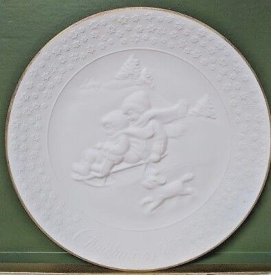 Avon A Childs Christmas Collector Plate Porcelain Trimmed 24K Gold