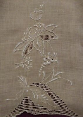 """2 Beautiful Matching Madeira Embroidered  Linen Hand Towels 20"""" by 13 1/2"""""""
