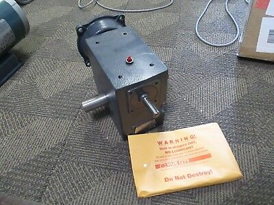 NEW Hub City Model 264 Right Angle Speed Reducer Gearbox 40:1 Ratio 0220-77852