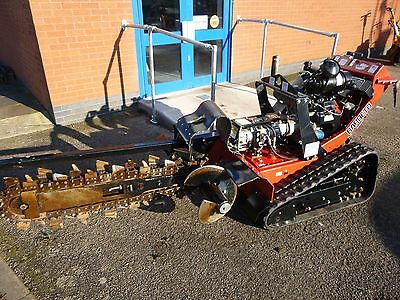 Barreto Hydraulic Tracked Trencher (Trenching Machine) for Hire