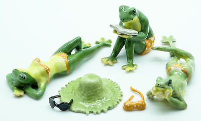 Figurine Animal Ceramic Statue Frog on the Beach Set- CAF039