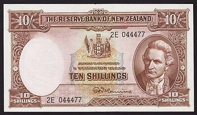 New Zealand Ten Shillings Banknote 1956-67 Fleming P-158d With Security Thread