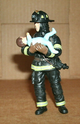 1/18 Scale Fireman Figure With Baby FireFighter Diorama Accessory - Papo 70008