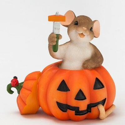 Carving Out A Little Halloween Happiness  CHARMING TAILS Mouse Figurine #4046780