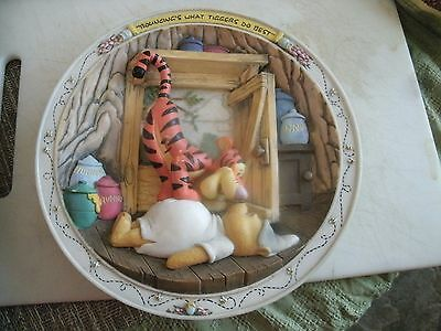 9#   RARE Winnie the Pooh 3D Plate from Bradford Exchange  Tiggers Do Best B4052